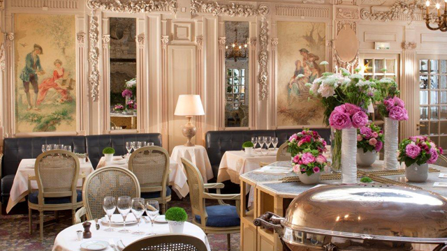 BREAKFAST AND ROOM SERVICE HOTEL BEDFORD PARIS LUXURY HOTEL